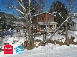 20208305 - Maison à étages à vendre