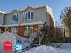 25744065 - Maison à étages à vendre