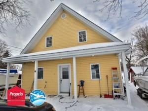 23440877 - Maison à étages à vendre