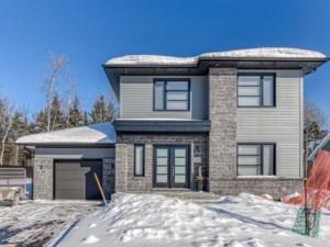 18273753 - Maison à étages à vendre