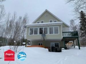 27767842 - Maison à étages à vendre