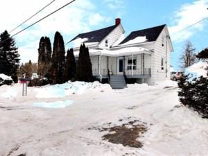 23964934 - Maison à étages à vendre
