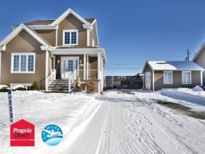 21903978 - Maison à étages à vendre
