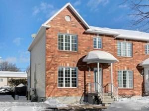 22341887 - Maison à étages à vendre