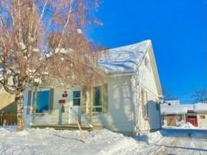 12265271 - Maison à étages à vendre