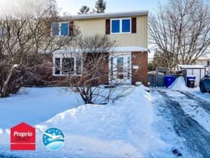 25787035 - Maison à étages à vendre