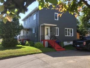 17888541 - Maison à étages à vendre
