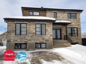 21076019 - Maison à étages à vendre