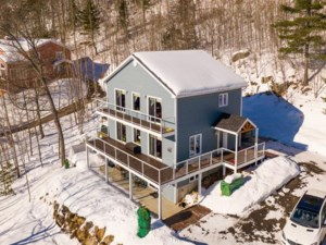 18784385 - Maison à étages à vendre