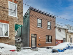 23690928 - Maison à étages à vendre