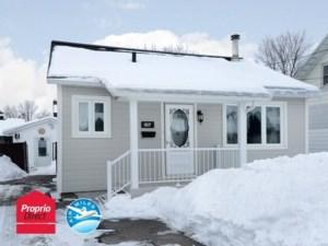 26977789 - Maison à étages à vendre