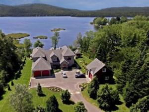 11395990 - Maison à étages à vendre