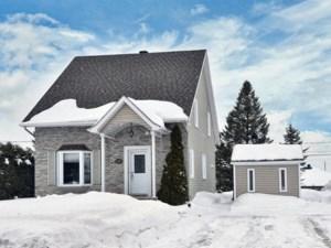 26411772 - Maison à étages à vendre