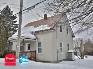24064811 - Maison à étages à vendre