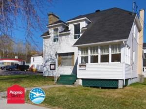 24880163 - Maison à étages à vendre