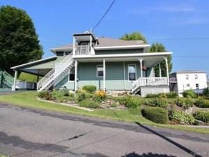11686697 - Maison à étages à vendre