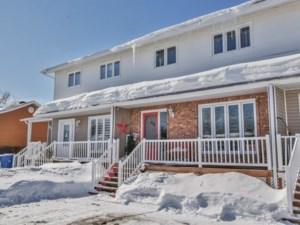 10517808 - Maison à étages à vendre
