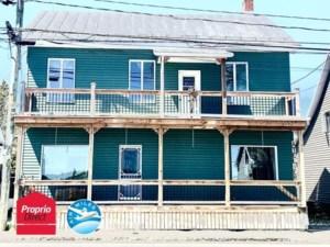 24102858 - Maison à étages à vendre
