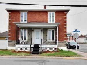 21327835 - Maison à étages à vendre
