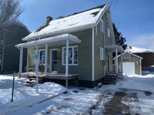 23362032 - Maison à étages à vendre