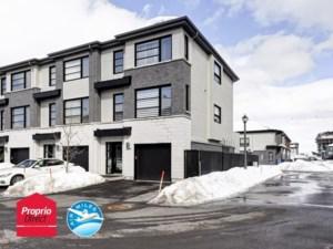 24903245 - Maison à étages à vendre