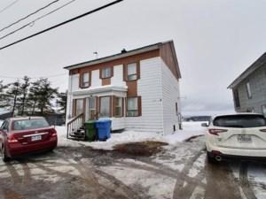 12180225 - Maison à étages à vendre