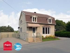 15909615 - Maison à étages à vendre