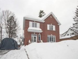 23463144 - Maison à étages à vendre