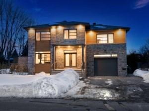 13968093 - Maison à étages à vendre