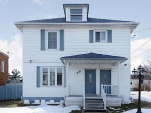 22128274 - Maison à étages à vendre