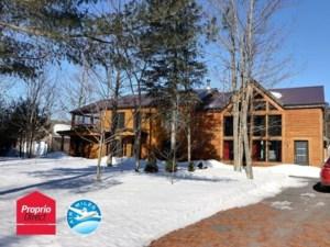 9404276 - Maison à étages à vendre