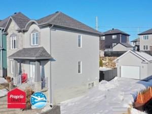 10373835 - Maison à étages à vendre