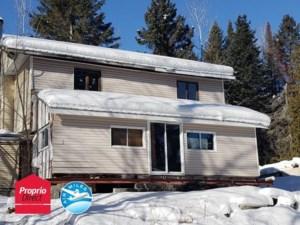 14000245 - Maison à étages à vendre