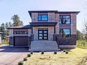 12883602 - Maison à étages à vendre