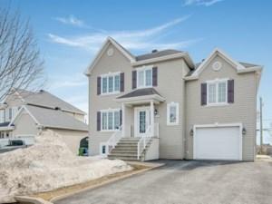 18506412 - Maison à étages à vendre