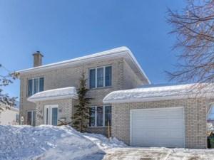 15573026 - Maison à étages à vendre