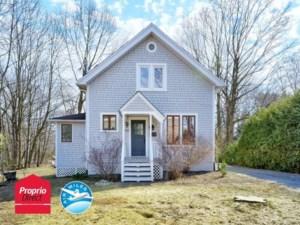 20921093 - Maison à étages à vendre