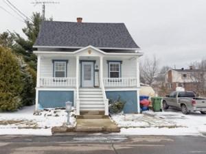 26332198 - Maison à étages à vendre