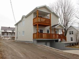 27060787 - Maison à étages à vendre