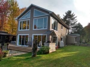 23288537 - Maison à étages à vendre