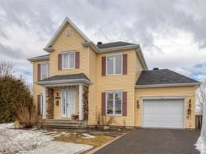 27427709 - Maison à étages à vendre