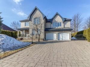 25736042 - Maison à étages à vendre