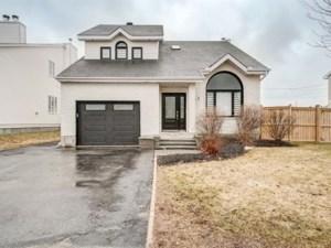 11402875 - Maison à étages à vendre