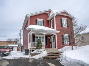18634191 - Maison à étages à vendre