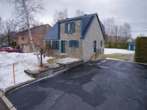 23256327 - Maison à étages à vendre