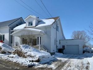 25967625 - Maison à étages à vendre
