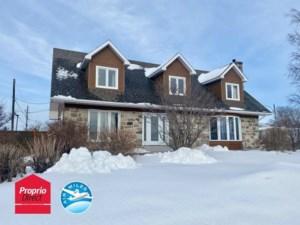 17067694 - Maison à étages à vendre