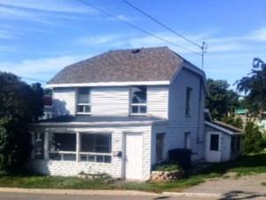 14255623 - Maison à étages à vendre