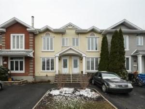 23275954 - Maison à étages à vendre