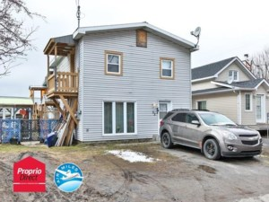 22365608 - Maison à étages à vendre
